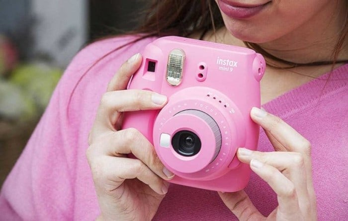Instant Camera Reviews for Fujilfilm Instax and Polaroid Cameras